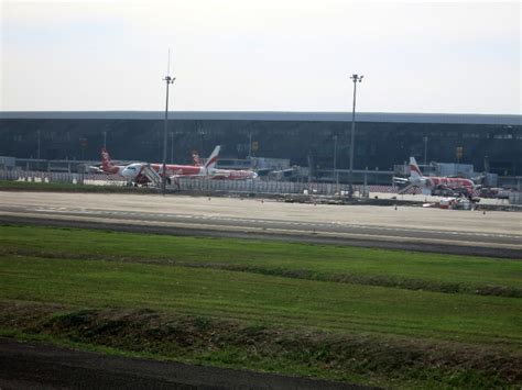 emirates terminal in jakarta review of garuda indonesia flight from jakarta to