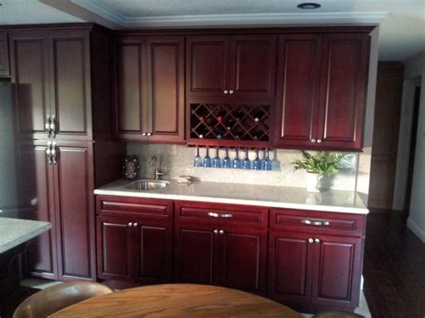 Cherry And White Kitchen Cabinets by Stunning Maple Cherry Kitchen Cabinets With Kashmire