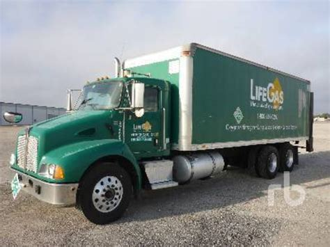kw box truck 2005 kenworth t300 van trucks box trucks for sale 11