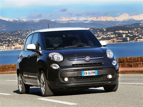 fiat 500l road fiat 500 l on road car pictures images gaddidekho