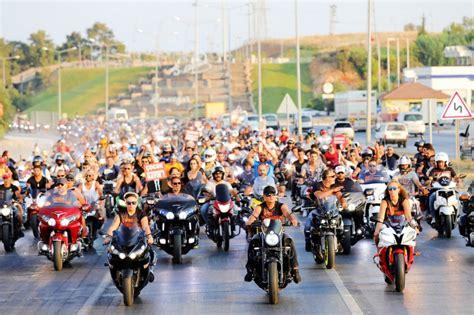 goekceada motosiklet festivali festimes eglenceye