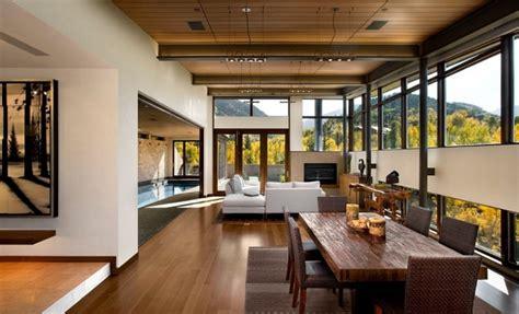 industrial living area design ideas with wooden high ceiling 30 id 233 es de d 233 coration de salon avec un style rustique