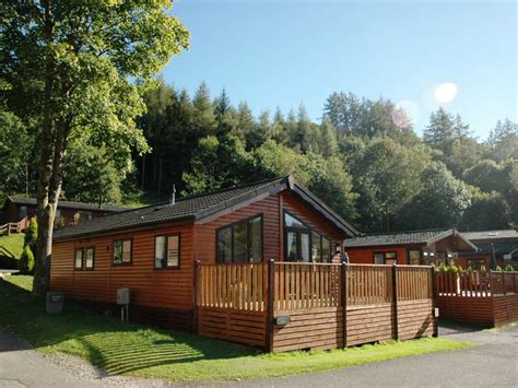 3 bedroom cabin pet friendly in bowness windermere 8109454