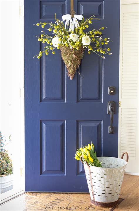 spring wreath ideas  brighten  front door