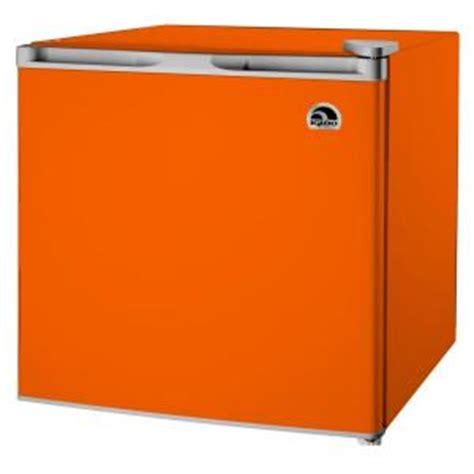 igloo 1 7 cu ft mini refrigerator in orange fr115i