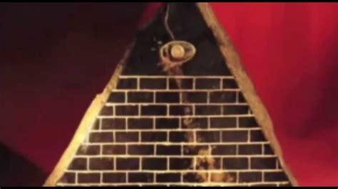 simboli degli illuminati la piramide con l occhio la piramide degli illuminati