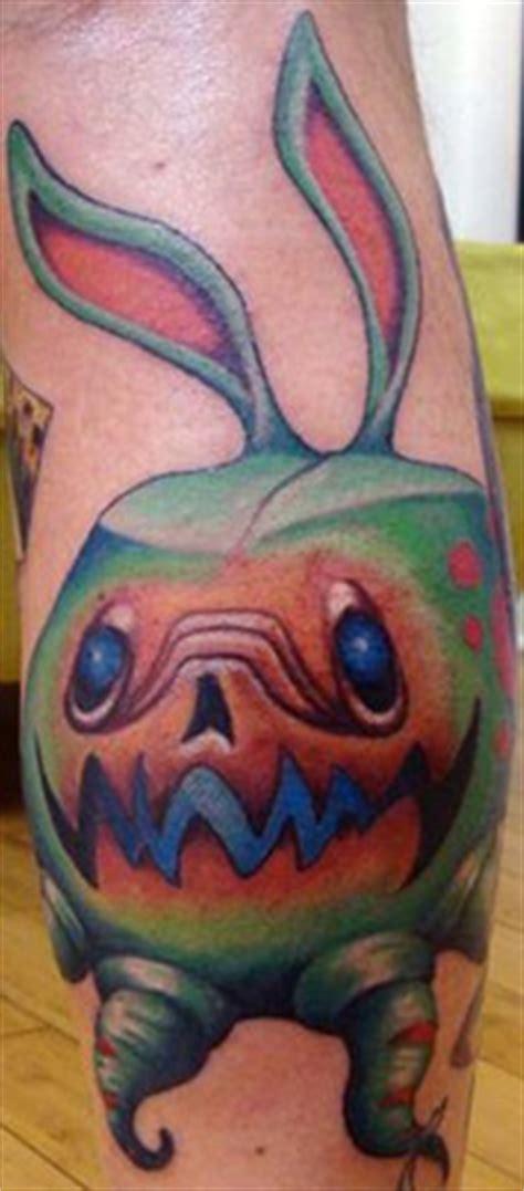 new school alien tattoo alien invasion tattoo short hairstyle 2013