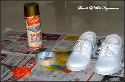 spray paint your shoes secrets of miss day dreamer diy paint your shoes gold