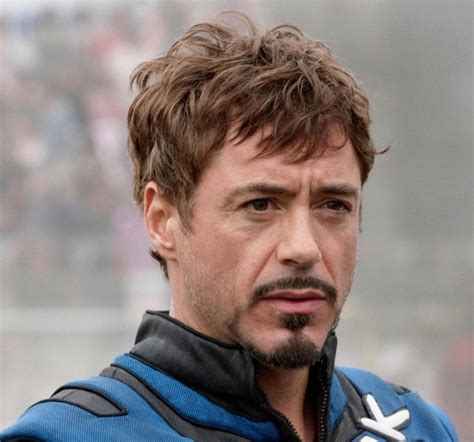 directions for the tony stark haircut imagem robert downey jr tony stark short curly hairstyle