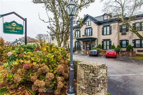 carriage house inn newport the carriage house inn in newport hotel rates reviews on orbitz