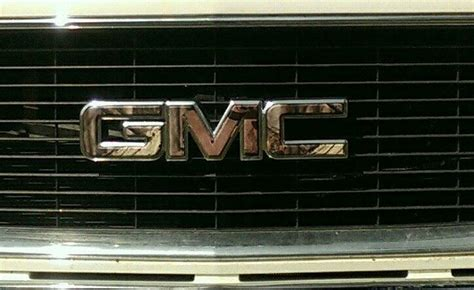 camo gmc emblem   leftover vinyl strips