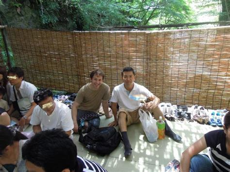 gay couch surfing カウチサーフィン体験記 couchsurfing 貴船で流しそうめん