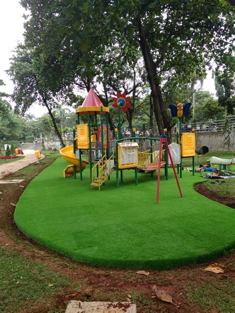 Karpet Rumput Sintetis Per Meter jasa pembuatan taman lanscape taman vertical 089636060199