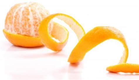 Pemutih Nourish Skin cara alami memutihkan gigi dengan kulit jeruk pemutih