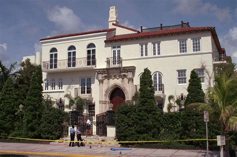 Gianni Versace S Murder 20 Years Later People Com Gianni Versace House South