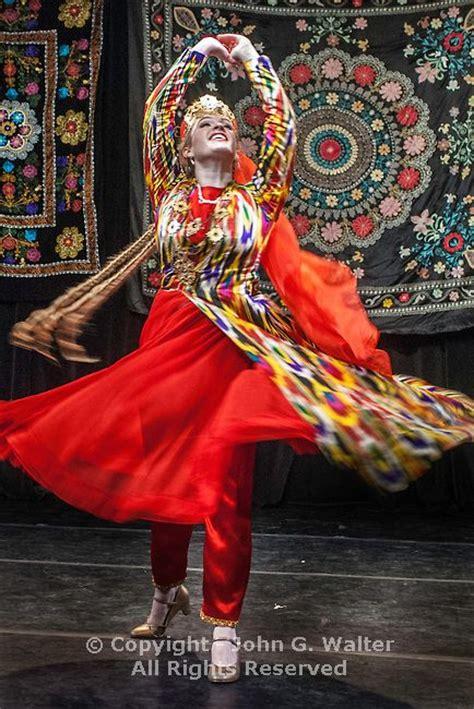 uzbek uyghur tajik traditional dance pinterest uzbekistan this traditional ferghana song is popular at