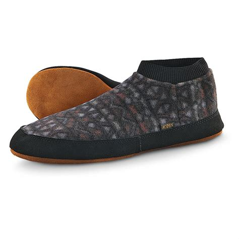 acorn polar slippers unisex acorn 174 polar pair iis 148907 slippers at