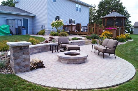 Backyard Wi Seat Wall Design And Installation In Appleton Wi