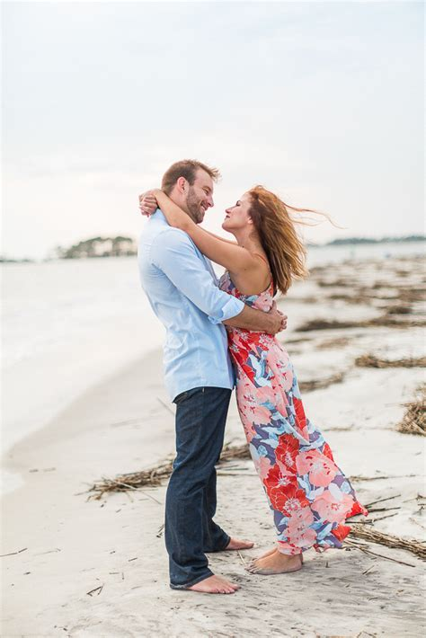 Best Places to Take Engagement Photos in Savannah