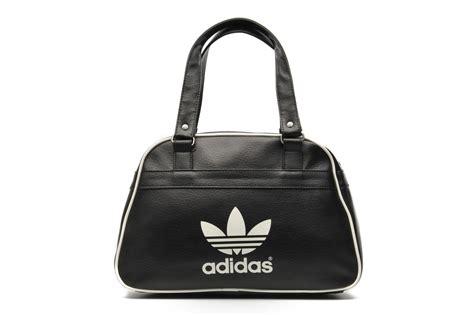 Tas Adidas 135 Black adidas originals bowling bag classic noir sacs 224