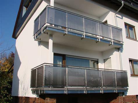 edelstahl balkongeländer mit glas edelstahl balkongel 228 nder mit st 228 ben lochblech glas