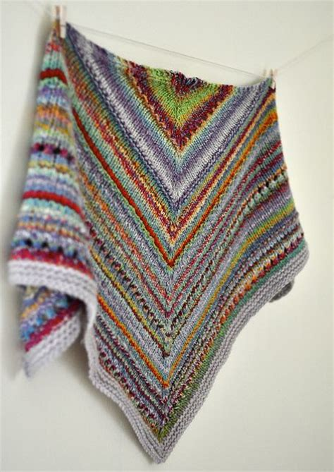 knitting patterns for scrap yarn some of this and that kerchief great use of leftover yarn