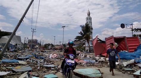 tsunami palu indonesia earthquake toll 384 see video of tsunami
