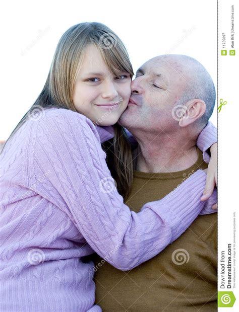 www incesto padre hija padre e hija felices del beso de la familia fotograf 237 a de
