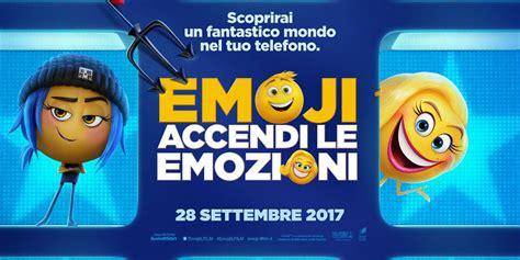 emoji il film emoji accendi le emozioni ecco il poster italiano