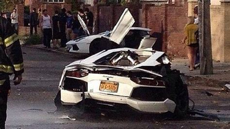 lamborghini crash lamborghini aventador crash in brooklyn splits car in half