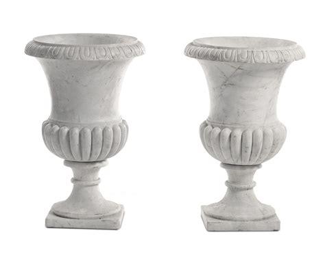 vasi marmo coppia di grandi vasi medicei in marmo bianco