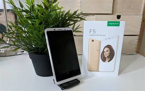 Oppo F5 Selfie Expert Leader 6gb 64gb Free Oppo X Barca Bag oppo launches f5 6gb a power packed selfie expert with a i technology phoneworld