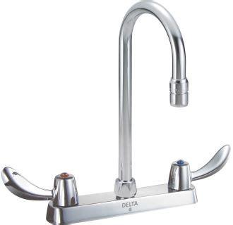 Cer Kitchen Faucet Faucet 26c3952 In Chrome By Delta