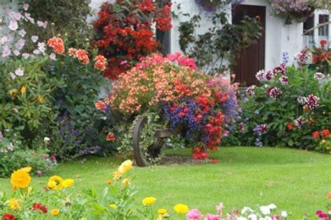 Blumen F R Schattige G Rten 997 by Den Perfekten Garten Gestalten 20 Wohlf 252 Hl Ideen F 252 R