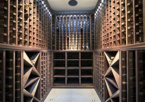 weinkeller mit walnuss gemacht - Weinkeller Design