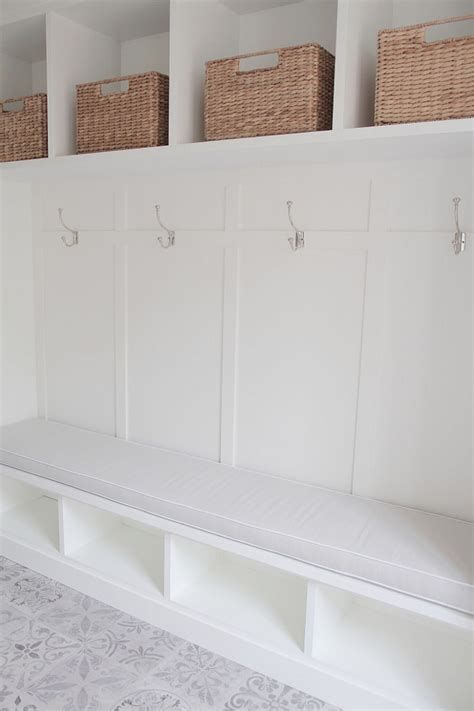 mudroom bench seat beautiful homes of instagram home bunch interior design ideas