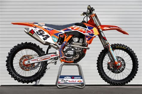 Factory Ktm Roczen Fast Changing The Ktm 450 Sx F Ktm