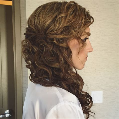 Wedding Hairstyles New York by Bridal Inspiration Beautiful Soft Side Ponytail