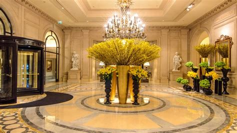 best luxury hotels in the world world s 10 best luxury hotel lobby designs