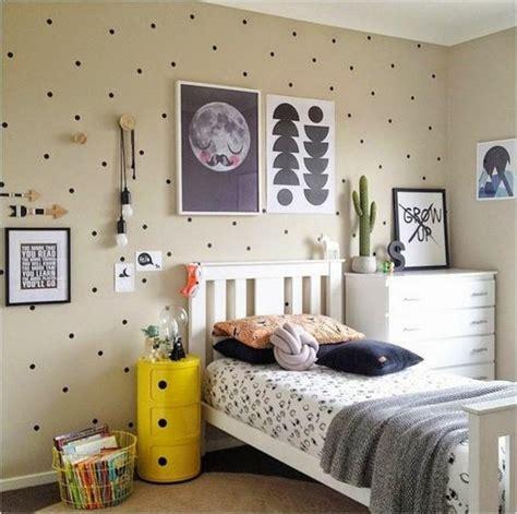 Beau Deco Chambre Bb Fille #4: Idee-deco-chambre-ado-gar%C3%A7on-10-ans-tapis-beige-papier-peint-pour-les-murs-dans-la-chambre-enfant-e1466683130449.jpg