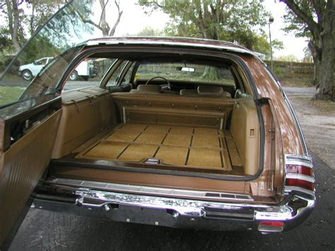 1972 Chrysler Town And Country Station Wagon Finder