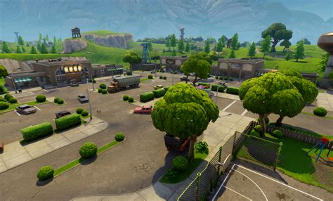 will fortnite be free fortnite battle royale will beat pubg to consoles and be