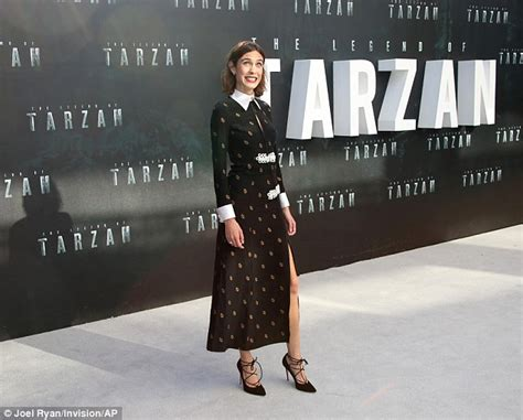 Premier Overall Set Dress By Maritza tallia wears stunning black dress to premiere daily mail