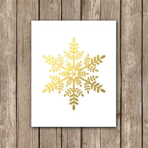 printable gold snowflakes faux gold foil snowflake wall art from so very printable