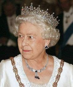queen elizabeth ii glistens in diamonds and sapphires for 1000 images about royal families 2 on pinterest queen