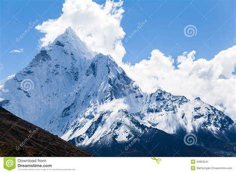 himalayan l montagnes ama dablam paysage de l himalaya image stock