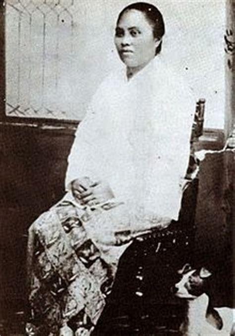 100 Tokoh Abad Ke 20 Paling Berpengaruh biografi walanda maramis pahlawan nasional wanita abad ke 20 biografi tokoh ternama