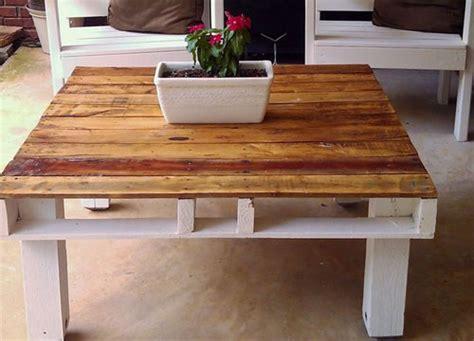 tavolo fatto con pallet realizzare tavoli economici in pallet di legno bcasa