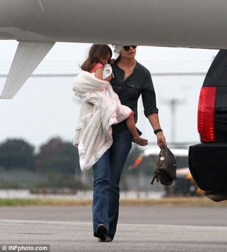 Tom And Throw A Tea For Suri by Sleepy Suri Cruise Brings Cuddle Blanket Along For Dinner