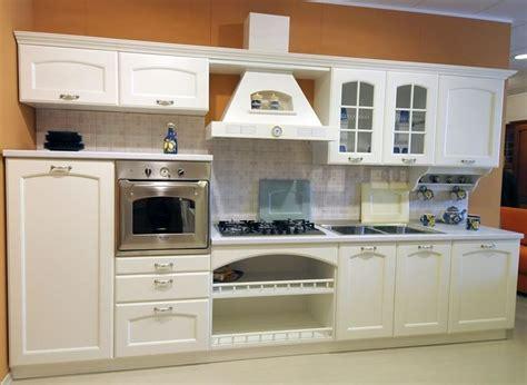 come arredare una cucina classica come arredare la cucina classica cucine classiche